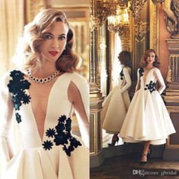 Canada Ivoire manches longues robes de bal robe de bal bijou satin jupe à volants avec appliques noir court robe de cocktail robe de soirée robe de soirée Offre
