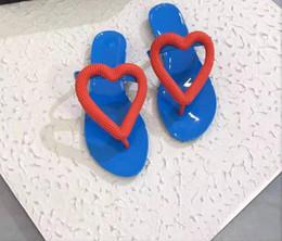 2019 placas de amor Hot moda chapeamento amor flip flops praia férias essenciais sapatos de praia chinelos femininos placas de amor barato