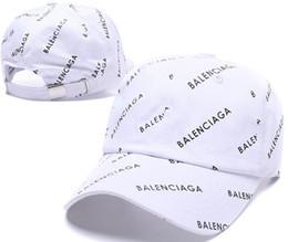 Diseñador 2019 Gorras de béisbol para hombre Nueva carta de lujo Sombreros Hueso bordado Paris Hombres Mujeres casquette Sombrero para el sol Gorras Gorra deportiva Envío de la gota desde fabricantes