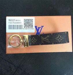 Alta qualtiy Luxo Chaveiro Chaveiro Titular Anel Chave Da Marca chaveiro Porte Clef Presente Homens Mulheres Lembranças Saco Do Carro com caixa EM552 de