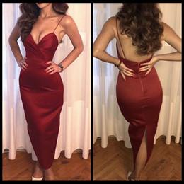 vestito chiffon dalla lunghezza del ginocchio dell'impero dell'innamorato Sconti Sexy Borgogna Spalline senza spalline Lunghezza abiti da cocktail Semplice raso abiti da ballo di promenade Vestidos abiti da donna
