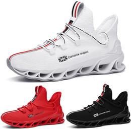 2020 zapatos de pozos De alta calidad y de concordancia de los zapatos corrientes kind6 blanco negro rojo colorido cojín joven muchacho MEN entrenadores bajas corte de diseño deportivo zapatilla de deporte rebajas zapatos de pozos