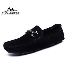 6bfd353c9759b ALCUBIEREE Mocassini Da Uomo In Vera Pelle Moda Slip On Driving Shoes Uomo  Mocassino Scarpe Da Barca Casual Business Gommino   115721 uomini di  mocassini ...