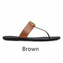 Argentina Mujeres del cuero genuino / sandalias de hombre flip flop de diseño de lujo del metal verano zapatilla de tamaño grande 35-45 con la caja Suministro