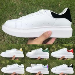 Rayures plates-formes en Ligne-Alexander McQueen Noir Blanc D'or bande réfléchissante Mens Womens velours Chaussures De Luxe En Cuir Plate-Forme Chaussures Mode Designer En Plein Air Sneakers