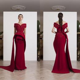 7f2883cc9ed Azzi Osta 2019 élégant robes de soirée sirène rouge foncé sur l épaule  Designer Perles Appliqued robes de bal ruché longue robe de cérémonie