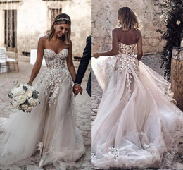 Vestidos vintage baratos on-line-2019 Barato Plus Size Estilo Country 3D Floral Apliques de Vestidos de Casamento A Linha de Bohemian Vestidos de Noiva para Noivas robe de mariée BC2024