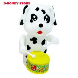 Cão bonito Drumming Clockwork Wind-Up Brinquedos para Crianças Jogo Engraçado Educacional Baby Birthday toys Presentes 2019 Mais Novo de Fornecedores de venda por atacado de brinquedos de estanho