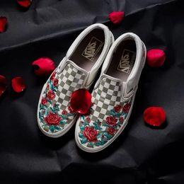 2019 VANS X AMAC Customs Women Men Skateboarding Shoes Rose Embroidery Sports  Old Skool Skate Womens Canvas zapatillas de deporte Sneakers 3576efde3