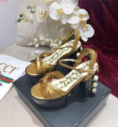 Элегантный стиль каблуки свадебное платье обувь золото черный цвет жемчуг украшения последний дизайн для заклепок от