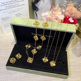 charme triangle de cuivre Promotion Nouvelle arrivée S925 Sterling Silver marque pendentif fleur collier necklacein 18k or plaqué pour femmes cadeau de mariage bijoux livraison gratuite P