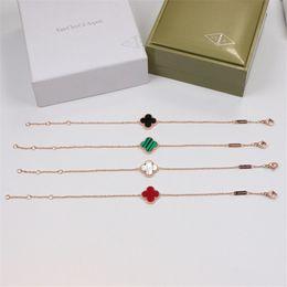 New Vier-Blatt-Blumen-Armband für Party Present Women Fashion Simple Style Armband mit 4 Farbe Rose Gold Personality Wristlet von Fabrikanten
