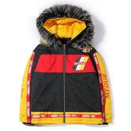 Abrigos de piel de hip hop de hombres online-Harajuku invierno chaqueta gruesa Parkas hombres con cuello de piel con capucha abrigos impresos Parka Hip Hop Streetwear para hombre Wj108