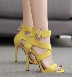 zapatos de vestir amarillos Rebajas 2019 coloridas sandalias de gladiador sexy cruz tiras amarillo púrpura tacones de gamuza sintética vestido de mujer zapatos tamaño 35 a 40