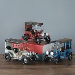 Großhandel Vintage Schmiedeeisen Metall Oldtimer Modell Dekoration Wohnzimmer Weinschrank Dekoration Display von Fabrikanten