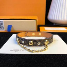 armbänder aus porzellan Rabatt Designer Armband Messing Kalbsleder Vintage Paare Ornamente Ketten Nieten Dekoration 2019 Luxus Mode Accessoires Made in Italy