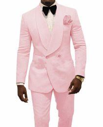 Hombres de esmoquin rosa online-Relieve Novio Esmoquin Rosa Hombre Boda Esmoquin Chaqueta Hombre Chaqueta Blazer Moda Hombre Baile / Cena Traje de 2 piezas (chaqueta + pantalón + corbata) 100