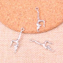 Gymnastik zubehör online-139 stücke Charme gymnastik gymnast sporter Antikes Silber Überzogene Anhänger Fit Schmuck, Die Entdeckungen Zubehör