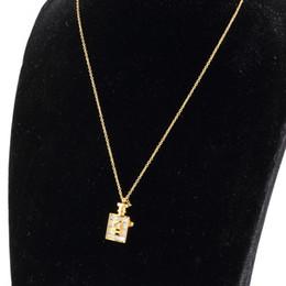 pendente di bottiglia di profumo dell'oro Sconti 2020 diamante gioielli di lusso in argento moda acciaio inossidabile 316L L'oro è aumentato gioielli bottiglia di profumo ciondolo collana lunga catena delle donne