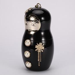 2019 bolsa de porcelana Designer-saco de boneca russa sacos de pérola acrílico quente famosa bolsa de noite bolsa de rosto do bebê senhoras bolsa de perfume de embreagem do vintage com alça de corrente