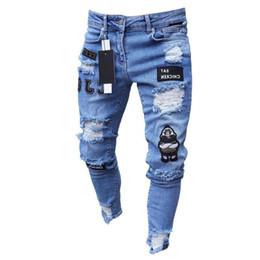 männer s eng anliegende hose Rabatt 2019 Neue Herren Jeans Bleistift Füße Hose Baumwolle Slim Fit Hip Hop High-End Eng anliegende Loch Hose Neue Herren Abzeichen Slim Jeans