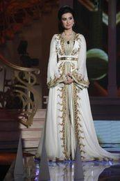 chiffon kleid kaftan abaya Rabatt 2019 neue marokkanische Kaftan Kaftan Dubai Abaya Arabisch Langarm Abendkleider Amazing Gold Stickerei V-Ausschnitt Anlass Prom Formal Gown