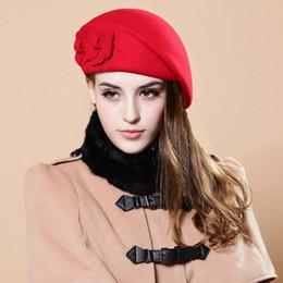 boina del ejército rojo Rebajas Otoño Invierno Mujeres imitación de lana boina Mujer tapa de la manera Sombrero de fieltro calle decoración partido de las flores D17 Tome una imagen debe
