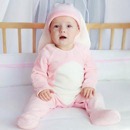 2019 samt baby neugeborenen Neugeborenes Babykleidung des Babys kleidet Babyspielanzug korallenroten Samt nette Baby-Spielanzug mit Hut Säuglingsoverall-Neugeborenenspielanzug-Säuglingskleidung A3311 rabatt samt baby neugeborenen