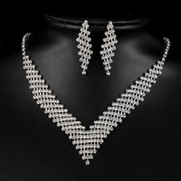 2019 afrikanische perlen brautschmuck set Kristall Braut Hochzeit Schmuck Sets Afrikanische Perlen Silber Farbe Strass Frauen Halskette Sets Engagement Schmuck rabatt afrikanische perlen brautschmuck set