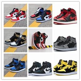 scarpe da pallacanestro onemix Sconti Marca Air Jordan 1 AJ1 uomini di alta scarpe da basket top 3 1s Chameleon Toe Nero Banned Berd Outdoor sport del Mens Sneakers Trainers AJ1 40-46