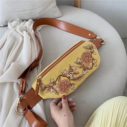 breite gelbe gürtel frauen Rabatt Burminsa Summer Embroidery Floral Gürteltaschen für Frauen Unique Wide Strap Canvas Sling Hüfttasche 2019 Weiß Gelb Grün Rosa Neu