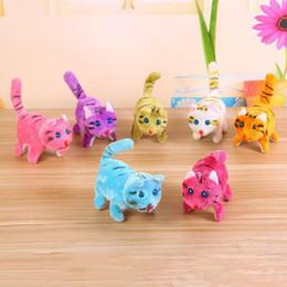 Collo di bambola online-5 modelli elettronici Walking gatto panda per bambini per bambini interattivi elettronici domestici giocattoli della bambola della peluche del collo della Bell Barking gatti giocattolo di Natale