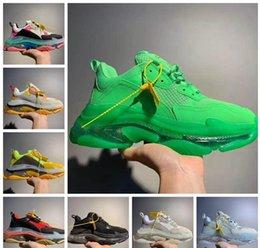 2019 Scarpe Dad verde inferiore di lusso di Parigi Triple-S 17FW cristallo Piattaforma Triple S scarpe da ginnastica per le donne Mens Vintage Kanye vecchio nonno Trainer da