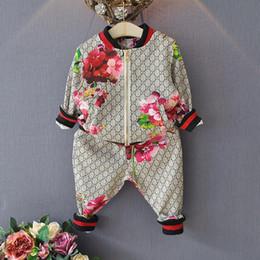 Chaquetas de traje online-Traje de niños Primavera otoño Niño niña Traje Chaqueta de flor + Pantalones 2 piezas Conjuntos de ropa para niños Bebé niña niño conjunto traje
