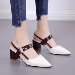 2019 chaussures d'été élégantes sexy 2019 nouvel été femmes chaussures pompes hauts talons chaussures élégante mi talon sexy bout pointu Slingbacks mariage partie femme chaussures d'été élégantes sexy pas cher