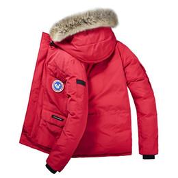 Chaqueta de terciopelo de los hombres online-Canadá hombres del invierno nueva capa Parka Plus el terciopelo que espesa la chaqueta rompevientos Incluso sombrero de costura para hombre Ocio Las capas calientes más el tamaño L-8XL