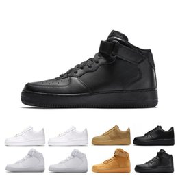 separation shoes c2679 ba67f Hommes 1 Utility Classic Black White Dunk Femmes Casual Chaussures rouge  one Skateboarding High Low Cut baskets Sport Sneakers taille 36-45  chaussures de ...