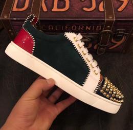 Обувь глубокий онлайн-NEW 2019 Дизайнерские кроссовки Глубокие зеленые замшевые туфли Low Cut Роскошные туфли для мужчин и женщин Обувь для вечеринок Свадебные шипы pikpik красные подошвы кроссовки