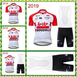 Pantalones cortos de lotería online-2019 Lotto Soudal Team Ciclismo manga corta Jersey Bib Shorts Sets Acepta personalización Hombres Transpirable Bib Shorts Sets Suit Q12902