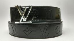 Argentina Cinturón de diseño para las mujeres de los hombres cinturones de hebilla grande cinturones de castidad masculina moda para mujer cinturón de cuero al por mayor Suministro