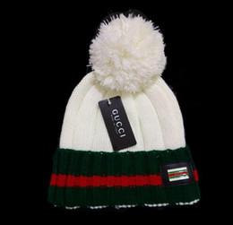 Yüksek kalite unisex Lüks tasarımcı Kış Şapka Erkekler kadınlar için Örme Beanie Yün Şapka Adam Örgü Kaput Kasketleri Gorros touca ... nereden
