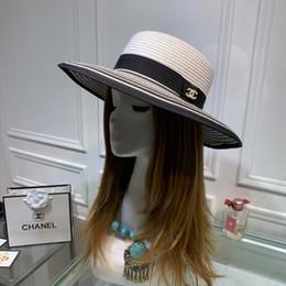 Canada 2019 sinamay chapeaux église large fedora bord plage de paille mode écharpe réglable blanc plat pour les femmes et les hommes UV pare-soleil cheap adjustable straw hats Offre