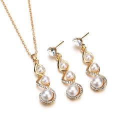 2019 brincos de colar de pérolas simples set 2019 nova versão coreana da liga atmosférica simples definir diamante pérola pingente de colar brincos conjunto de diamantes por atacado