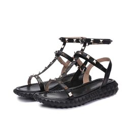 2019 Designer femmes en cuir véritable parti plat mode rivets filles sexy pieds nus chaussures chaussures de mariage Double bretelles sandales taille 35-40 N042 ? partir de fabricateur