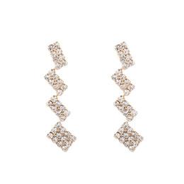orecchini di modo che appendono lungamente Sconti Orecchino di design di lusso femminile moda creatività lunghi orecchini geometrici matrimonio compleanno design quadrato appeso in lega orecchini orecchini