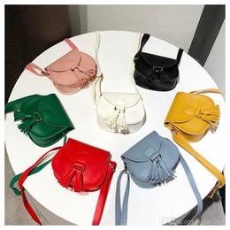 простые кошельки Скидка Девушки кисточкой PU сумка INS одного плеча сумка мода дети портмоне мини сумки случайные путешествия простой кошелек женщины PU сумки YFA955
