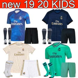 Canada 19 20 Real madrid Soccer Jersey 2019 Jovic MARIANO enfants + chaussette RISQUE Modric Kroos Sergio Ramos enfant EA Sports ASENSIO ISCO Uniformes supplier real jersey child Offre