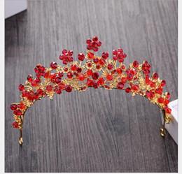 2019 diamante rosso corona Princess Diamond Crown Hair Ornaments Matrimonio Red Wedding Dress Accessori diamante rosso corona economici