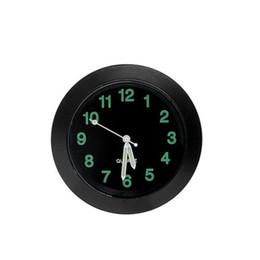2019 клеевой клей для автомобилей С клеевым клеем Автомобильные часы 4.3 * 1см Покрытые металлом клип Часы Кнопка на приборной панели Аккумулятор Вентиляционное отверстие скидка клеевой клей для автомобилей