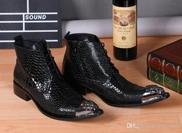 2019 metal botas apontadas trabalho Rebites de metal Apontou Toe Preto Mens Botas de Cobra Padrão Ankle Boots de Couro Genuíno Trabalho Busines Men Dress Shoes Botas Da Motocicleta Do Punk metal botas apontadas trabalho barato